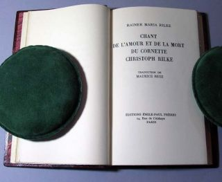 Chant de l'amour et de la mort du Cornette Christophe Rilke. Translated by Maurice Betz. Rainer...